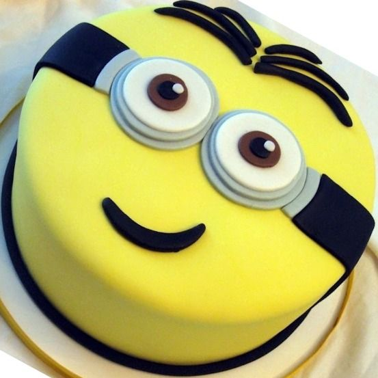 simple minion cake Google Decorating Cakes Pinterest