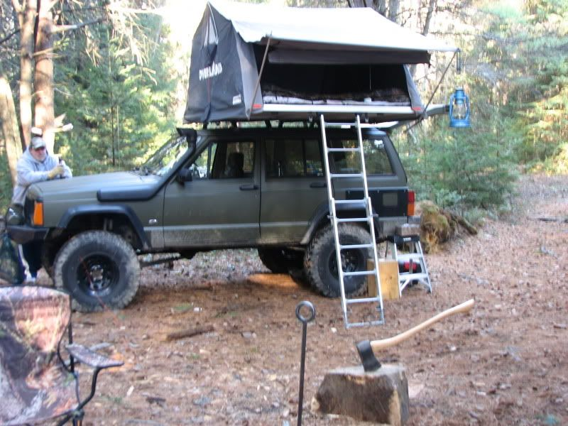 Roof Top Tent On My 98 Jeep Cherokee Forum Jeep Cherokee Xj Jeep Camping Jeep Xj
