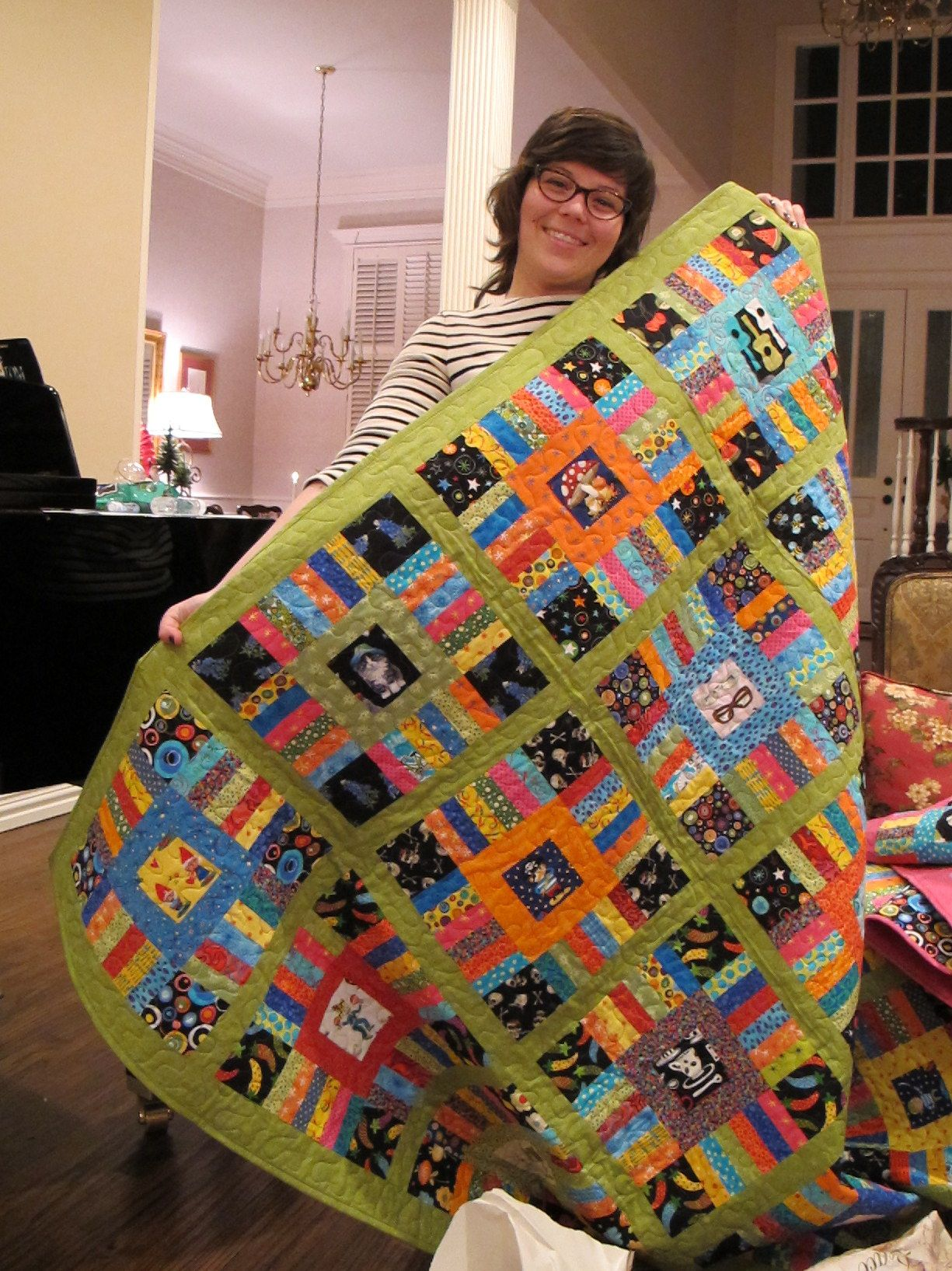 Carolyn with her quilt