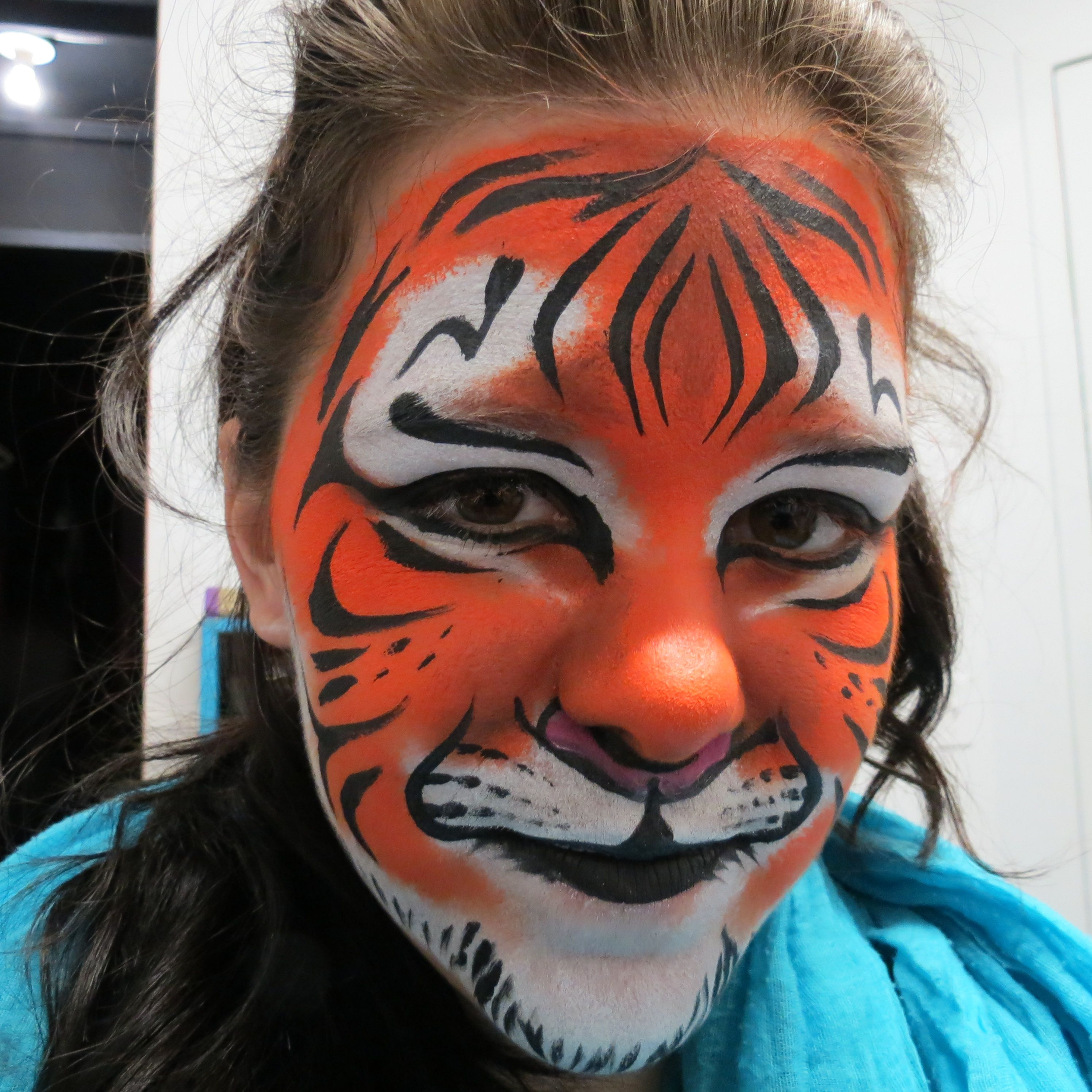 Maquillage pour enfant tigre children make up tiger face painting for kids maquillage pour - Maquillage pin up ...