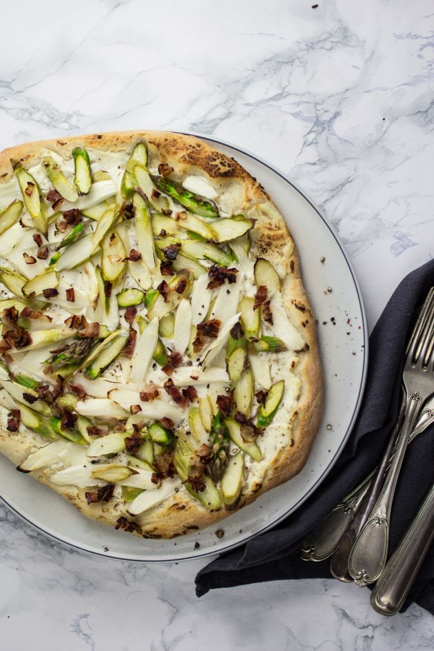 pizza with green and white asparagus