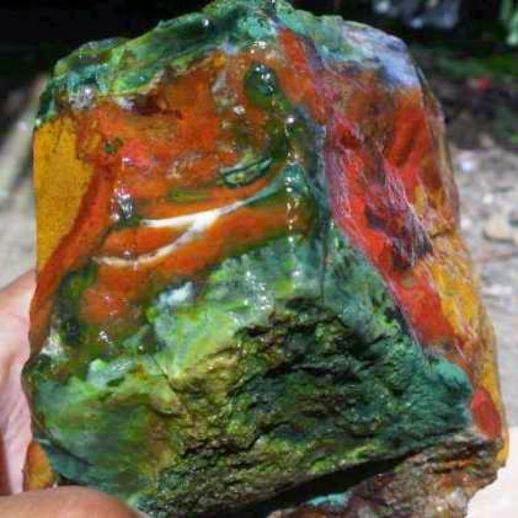 Batu Akik Pancawarna Sungai Bogowonto Purworejo Mengenal Batu Mulia Rocks And Minerals Stones And Crystals Gems And Minerals