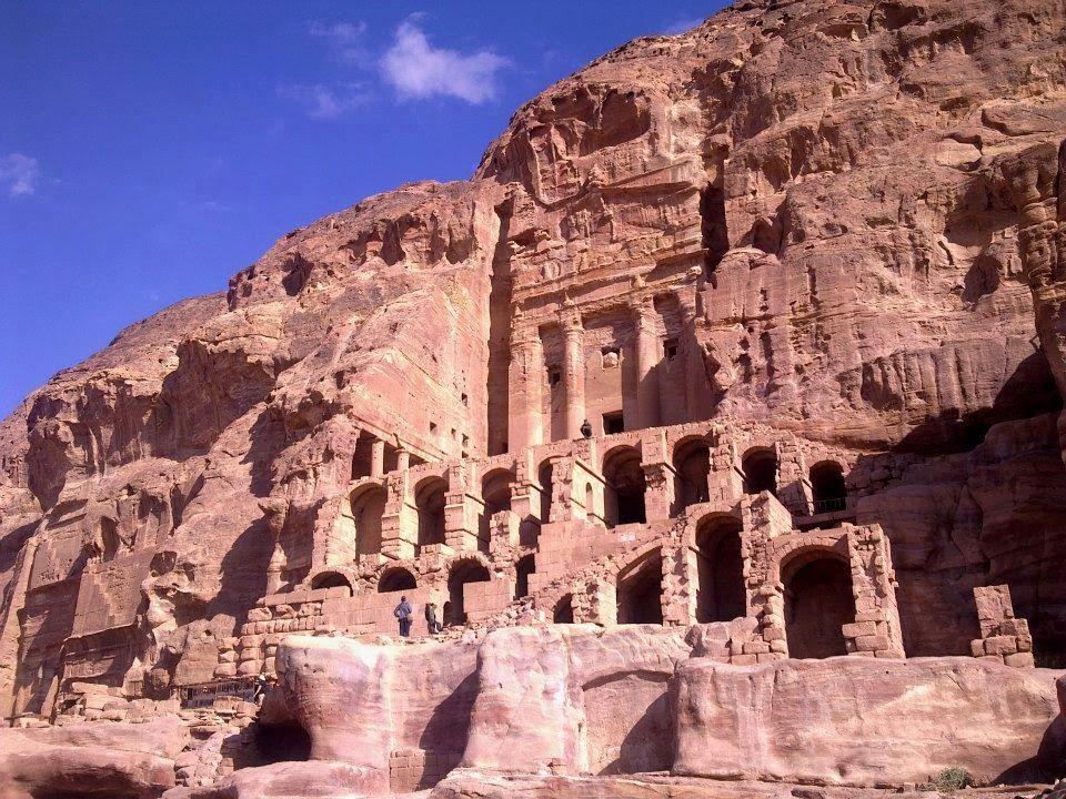 Apen matkat: Yksi maailman seitsemästä ihmeestä, Petra, Jordan