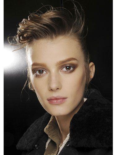 alteregoprojector boyish androgynous beauty make up trend