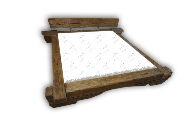 bettrahmen altholz bettrahmen rustikal sonde von holzkompetenz auf betten. Black Bedroom Furniture Sets. Home Design Ideas