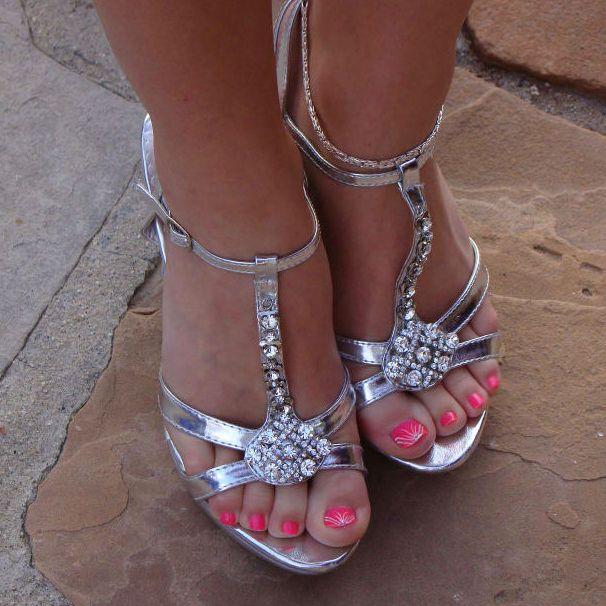 22b828d345acaf91f4512a80e5fa3eb2_1350240 High Platform Shoes, High Heels,  Wedding Videos, Designer Heels, Godzilla,