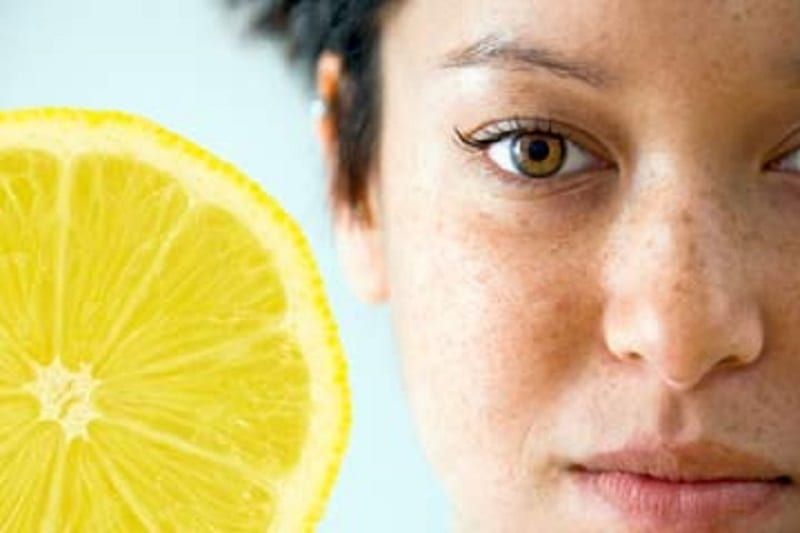 35 Strange But Brilliant Uses For Lemon Juice That Can Work Wonders For Your Skin, Home And Hair