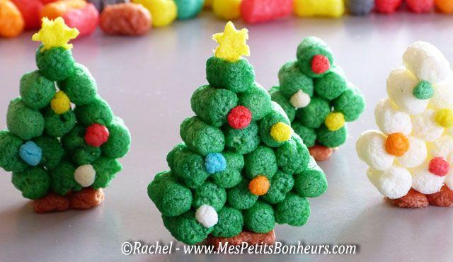 Bricolage enfant : Sapin de Noël 3D avec des flocons de Play Maïs #activitenoelenfant