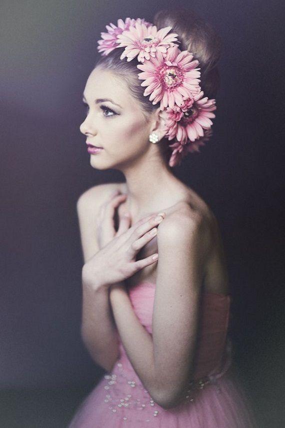Kwiaty We Wlosach Potargal Wiatr Moda Cafe Portrait Portrait Photography Photography