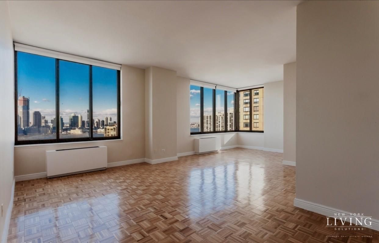 2 Bedrooms 2 Bathrooms Apartment for Sale in Battery Park