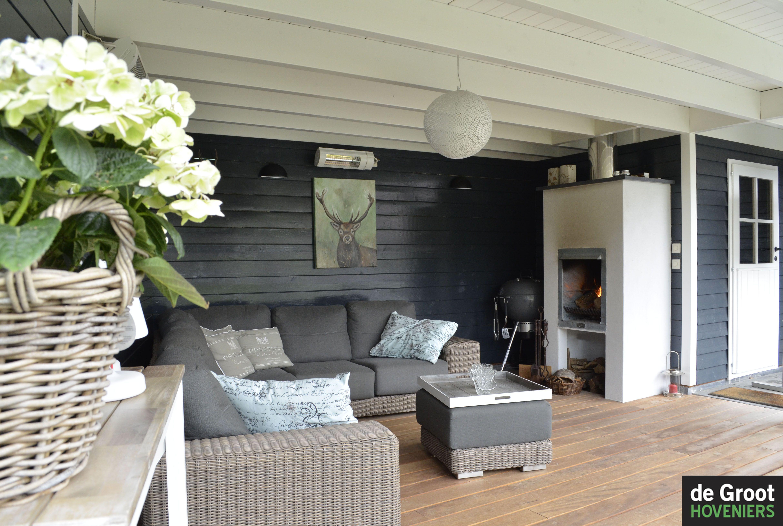 Veranda overkapping landelijk sfeervol zweedsrabat vlonder openhaard lounge de groot - Lounge stijl ...