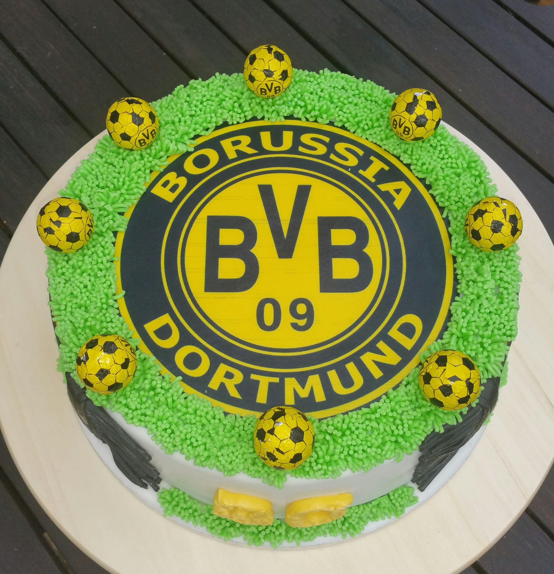 Borussia Dortmund Torte zum 30 mit Schal und Schokoladen