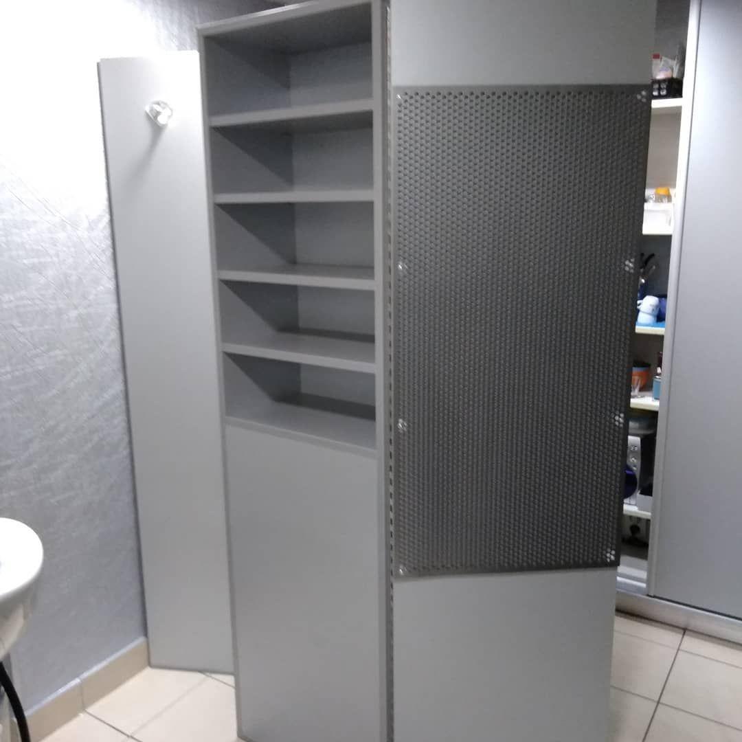Dee Decoration Creation D Un Meuble Sur Mesure Separation Espace Bac Pour Serviette Et Pateres Pour Peigno Tall Cabinet Storage Locker Storage Storage Cabinet