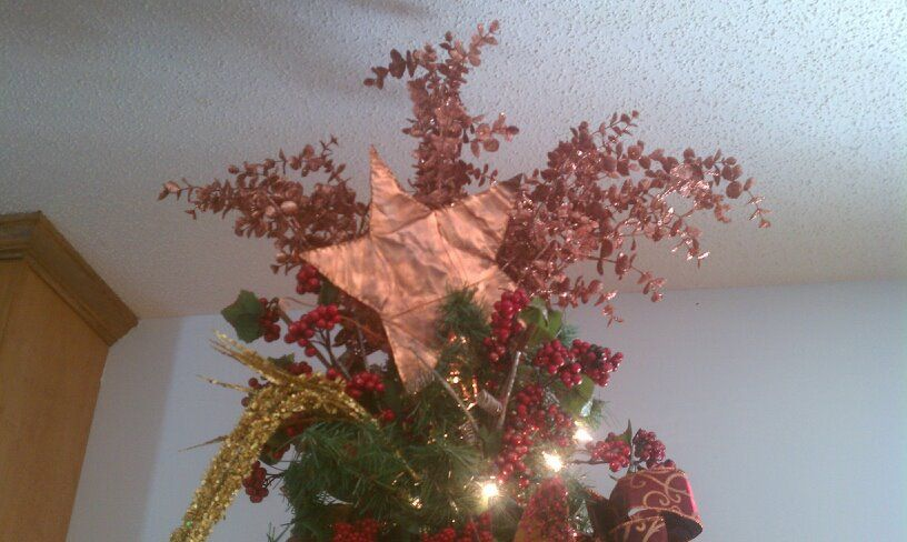 Copper Star Christmas Tree Topper Diy Copper Sheeting Sold At Ace Hardware Embelish With Diy Tree Topper Diy Christmas Tree Topper Christmas Tree Toppers