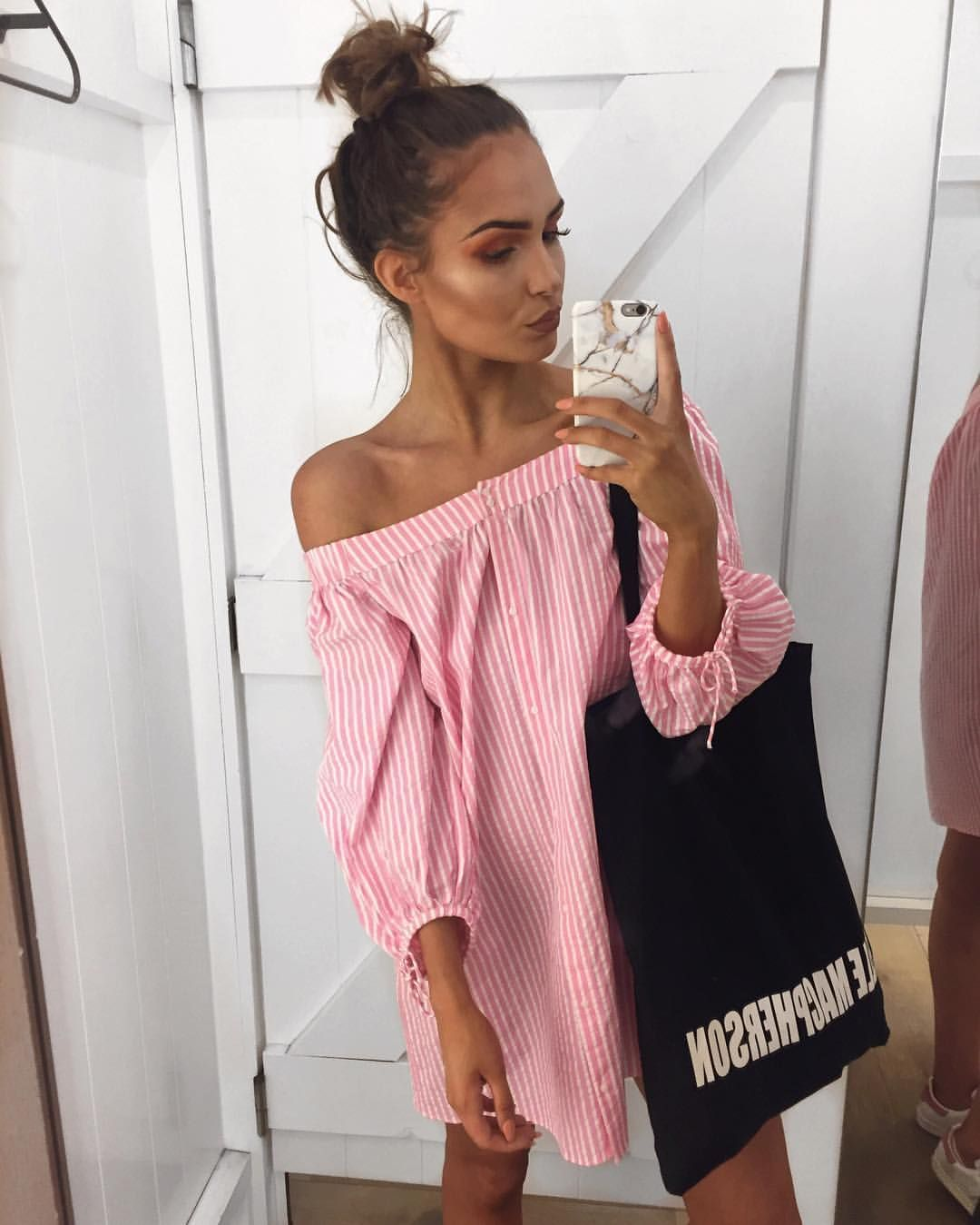 """Alicia Roddy na Instagrame: """"⛱ My new Youtube video clothes haul is ..."""