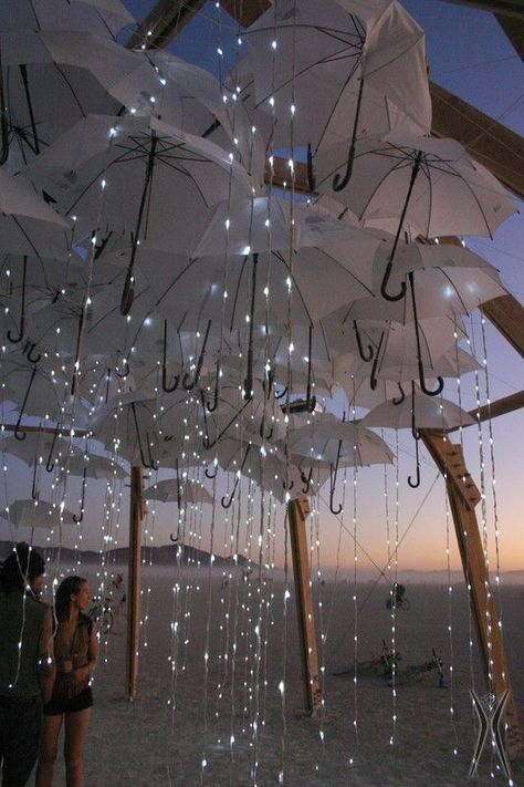 Fun and Unusual Urban Art Installations Around the World #cuteumbrellas