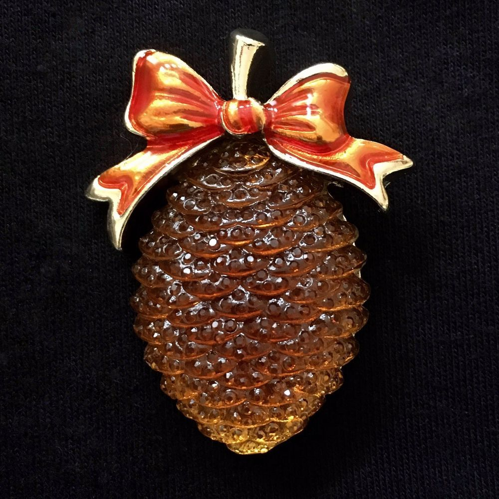 Christmas Holiday Pine Cone W/Ribbon Gold Tone Brooch Pin Pinecone NEVER  WORN