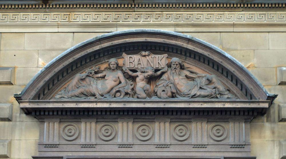 Collingwood Street bank