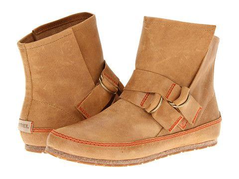 Sorel Yaquina™ Leather -saapikkaat sopivat kesän viimeisiin päiviin ja pitkälle syksyyn. 160 €.