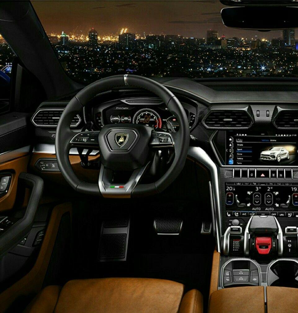 Lamborghini Urus (interior)