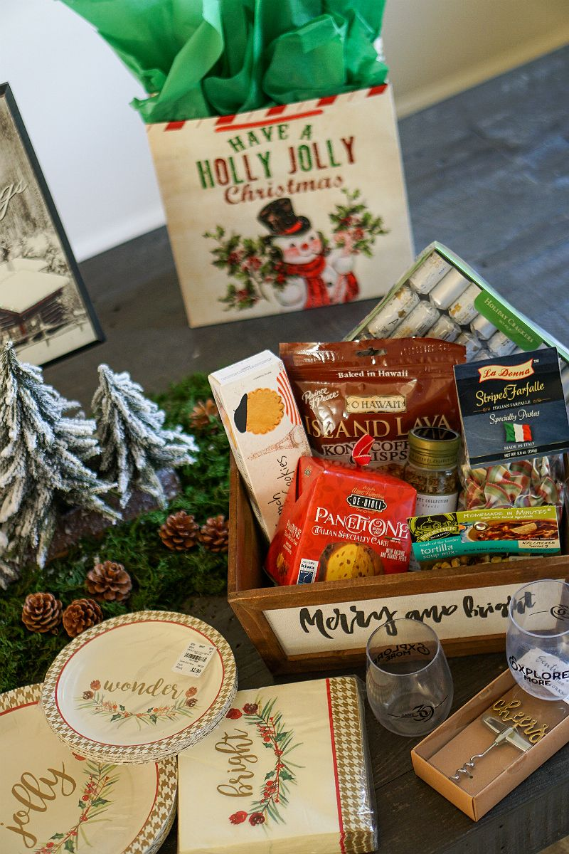 Entertaining Guide How To Host a Christmas Around The