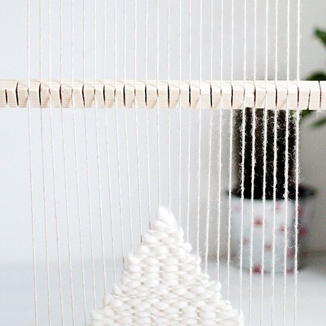 diy heddle bar for weaving with a giant loom