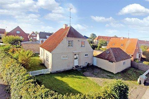 Fasanvej 42, 4300 Holbæk - Charmerende og Attraktiv murstensvilla #holbæk #villa #selvsalg #boligsalg