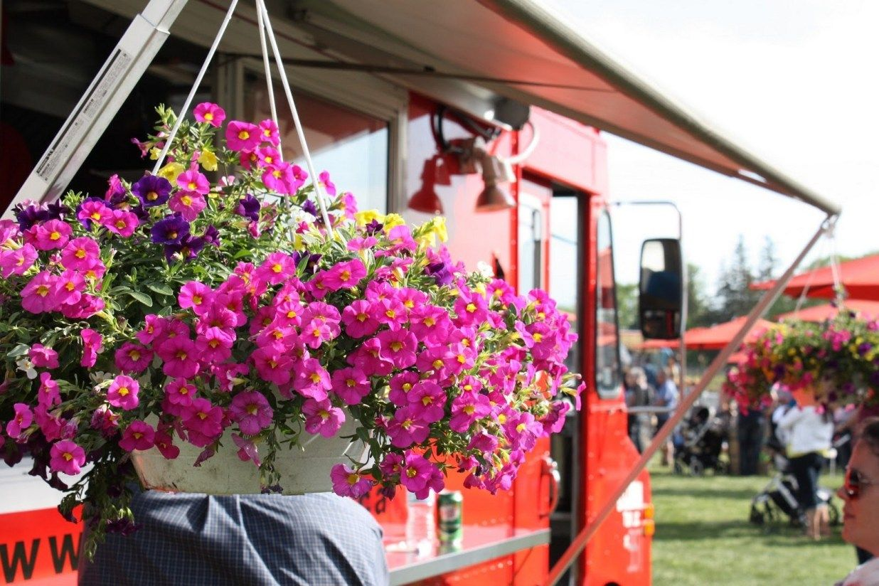 10 Stunning Examples Of Flower Truck Business Wheels Trends U Need To Know Flower Truck Flowers Trucks