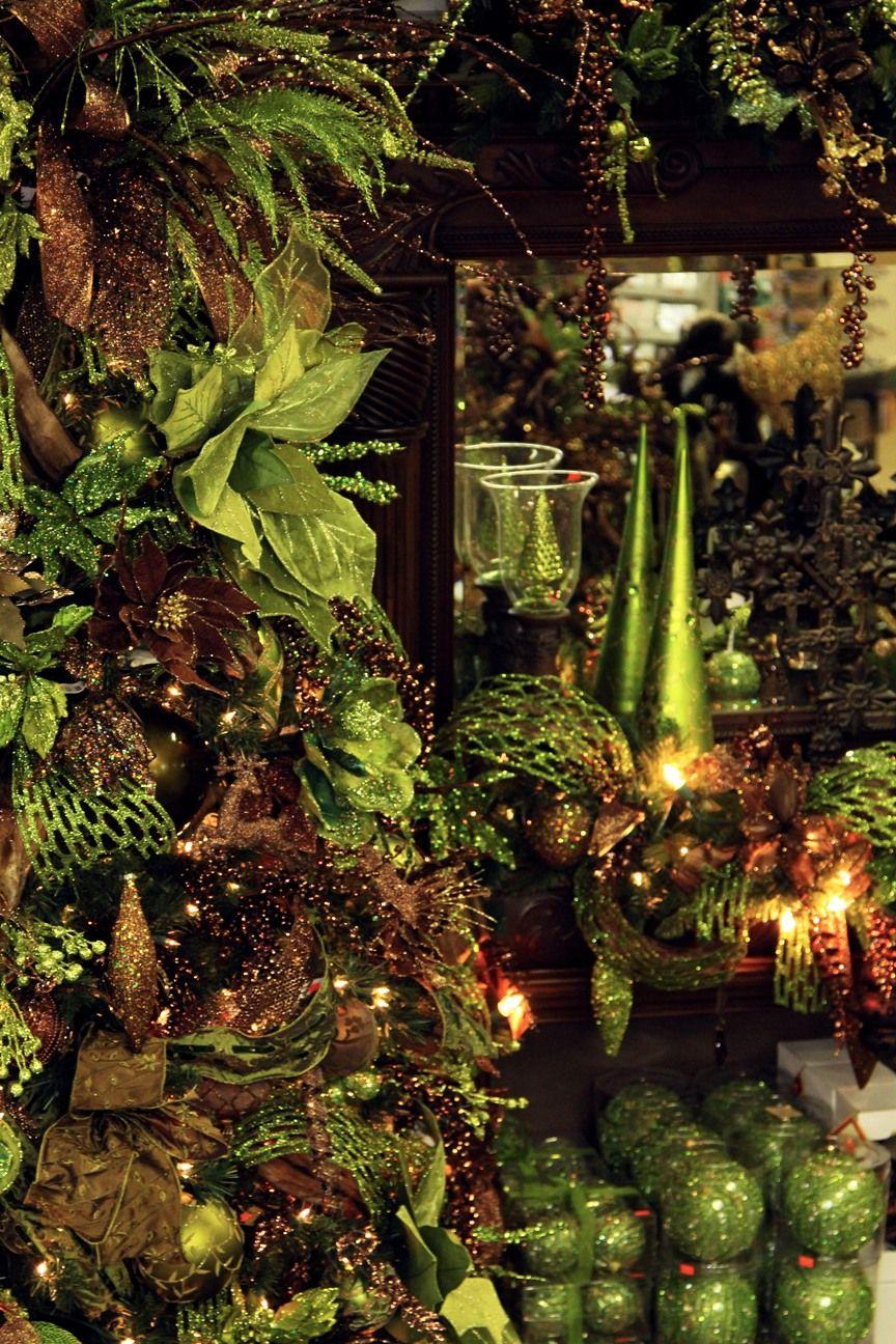 A Christmas Wonderland Decorators Warehouse Christmas Tree Colour Scheme Green Christmas Tree Decorations Green Christmas