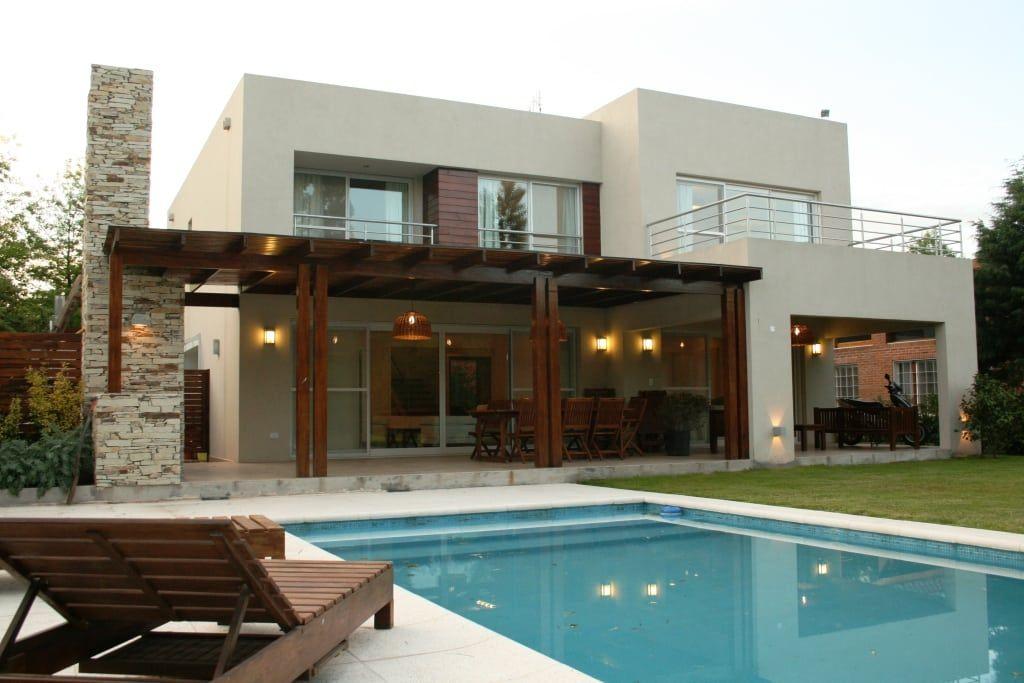 Casas de estilo de rocha figueroa bunge arquitectos en for Casa moderno kl