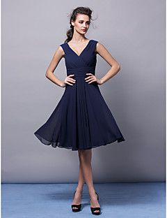 Knee-length Chiffon Bridesmaid Dress - Dark Navy Plus Sizes / Petite A-line V-neck