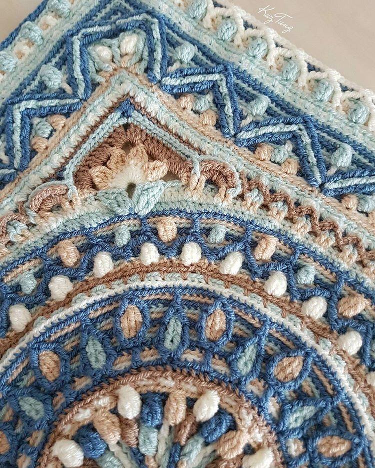 I often wonder how crochet designers ever come up with such amazing patterns. #sophieloveslillabjorn #lillabjorncrochet #dandelionmandala #crochetmandala #mandala #stylecraftyarn #stylecraftspecialdk #crochet #overlays #overlaycrochet #crochetaddict #cantstopctocheting #crochetersofinstagram #igcrochet #crochetlove #handmade