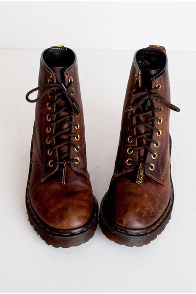 a62c70bec39b Brown-vintage-dr-martins-boots