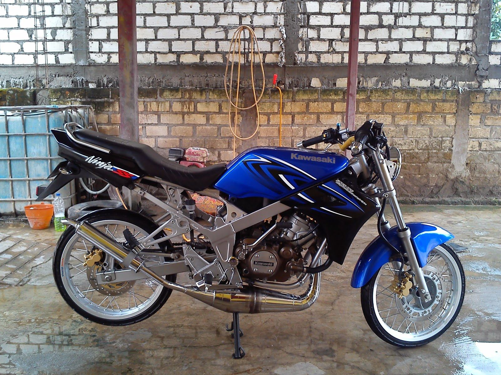 Top modifikasi ninja ss hitam