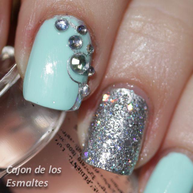 Uñas decoradas con piedras, glitter y Kiko 657 | Uña decoradas ...