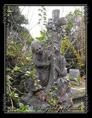 Google Image Result for http://2.bp.blogspot.com/_hww4d31bITU/TKd3qkC8PpI/AAAAAAAAAkQ/79VQ7Bl1Bh0/s400/Charleston_cemetery-01.jpg