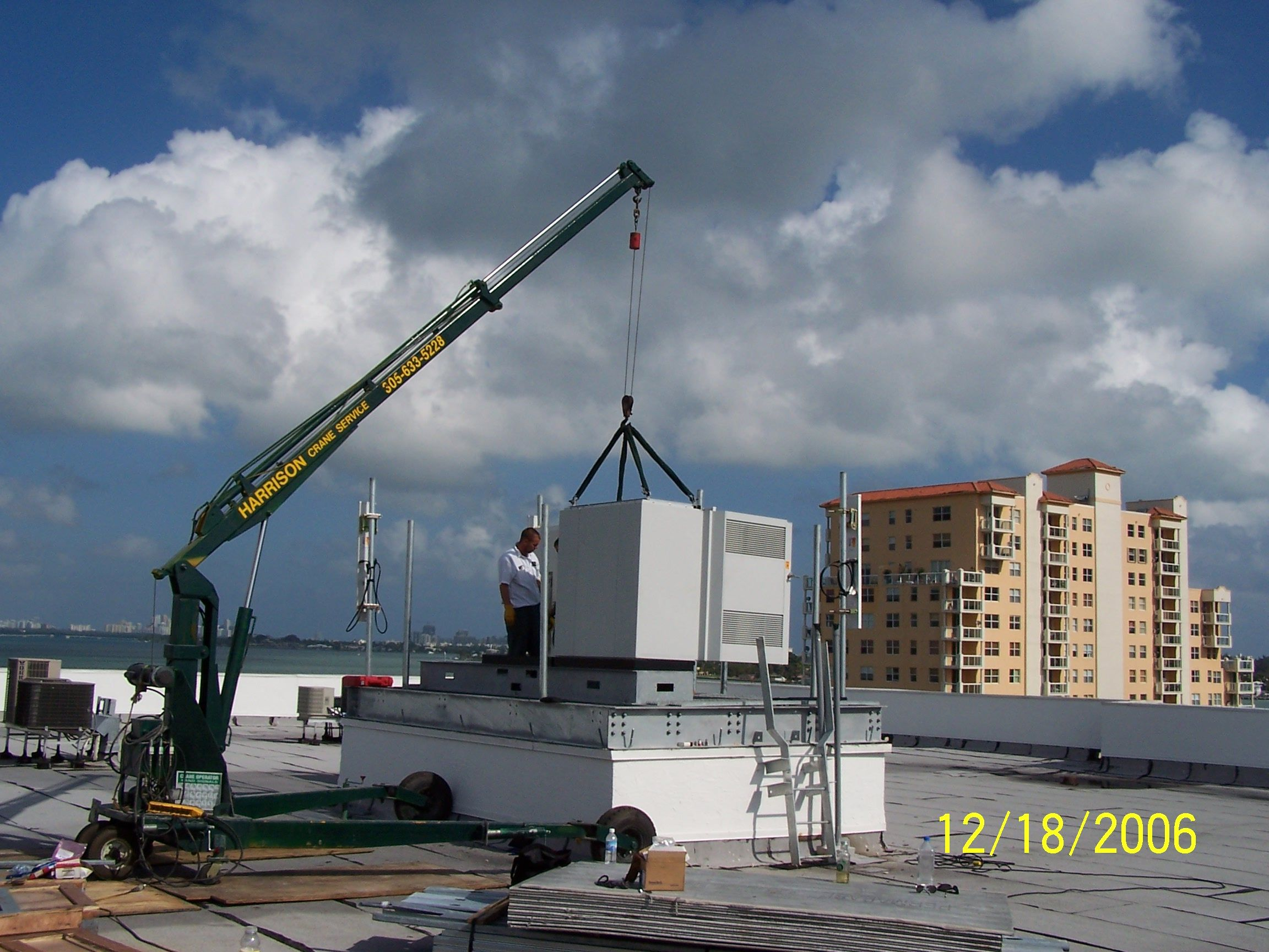 Pin On Mini Rooftop Cranes