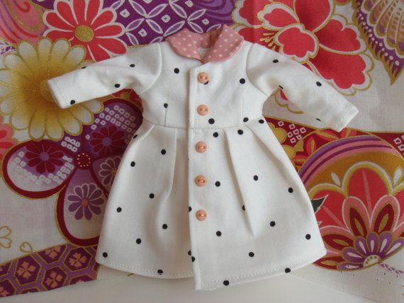long sleeve dress for Blythe Doll. $20.00, via Etsy.