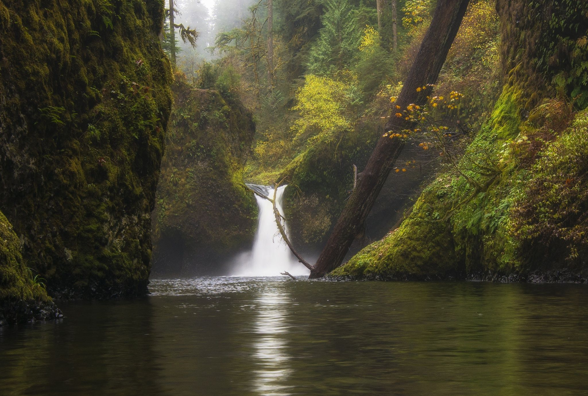 Fall at Punchbowl by Bill Ratcliffe on 500px