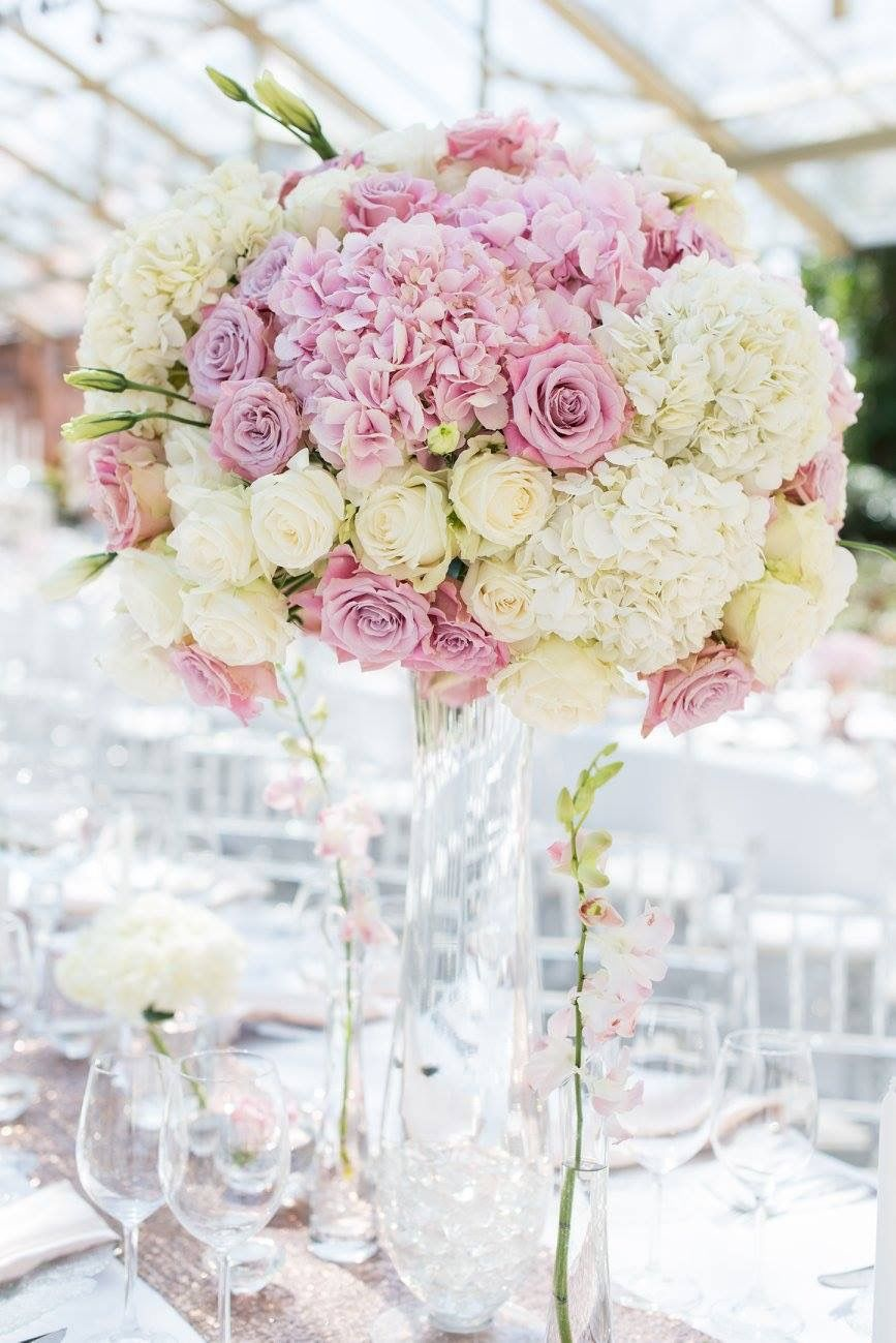 romantic and lush white and blush pink flower centerpieces using rh pinterest com Pale Pink Peonies Flowers Blush Flower Arrangements