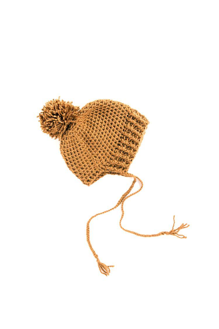 Bonnet Beanie - FREE CROCHET PATTERN // www.deliacreates.com | Hats