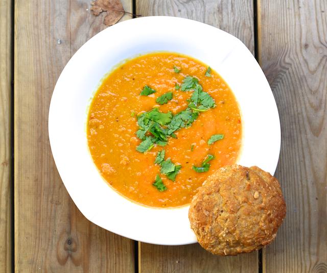Hämmentäjä: Spicy, aromatic and velvety Moroccan carrot soup. Mausteinen ja samettinen marokkolainen porkkanakeitto