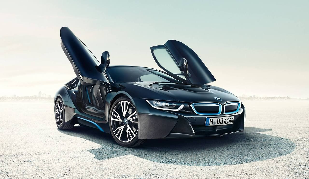 The Future Is Here Bmw I8 Femmefrontaal Bmw I8 Bmw Bmw I