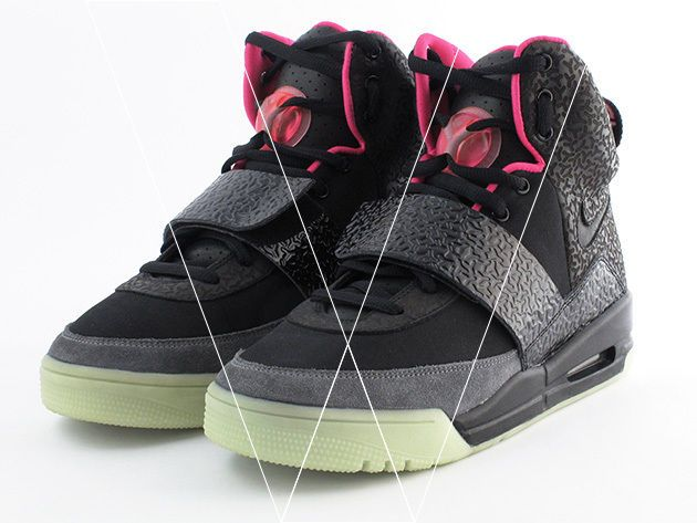 big sale d1ce1 075b6 How to spot fake Nike Air Yeezy 1 s   eBay