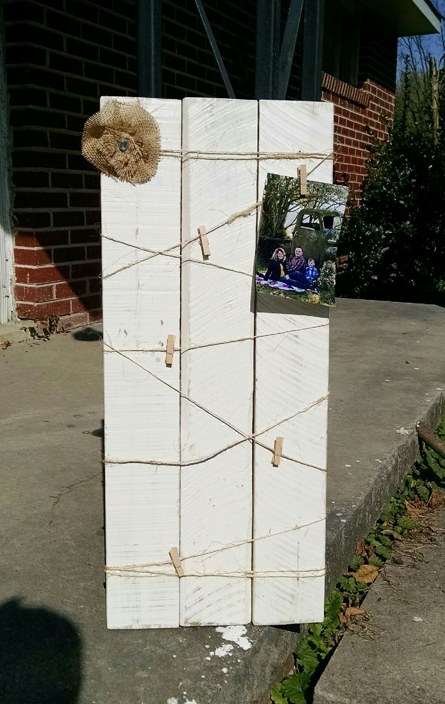 Pallet Picture Frames With Clips
