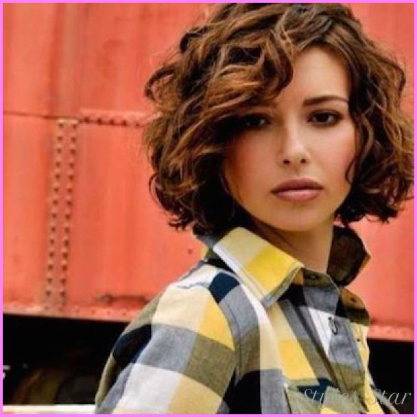 Awesome Chin Length Wavy Hairstyles Curly Hair Styles Hair Styles Short Wavy Hair