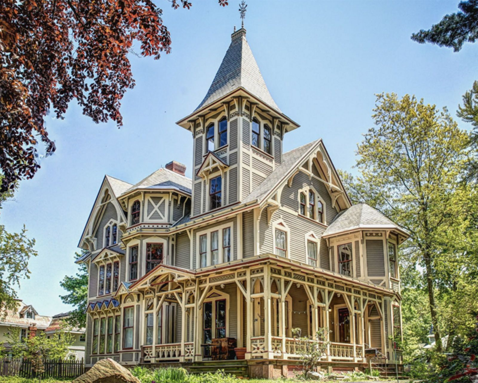 The 10 most beautiful historic homes on the market in 2015 for Cheapest houses in victoria
