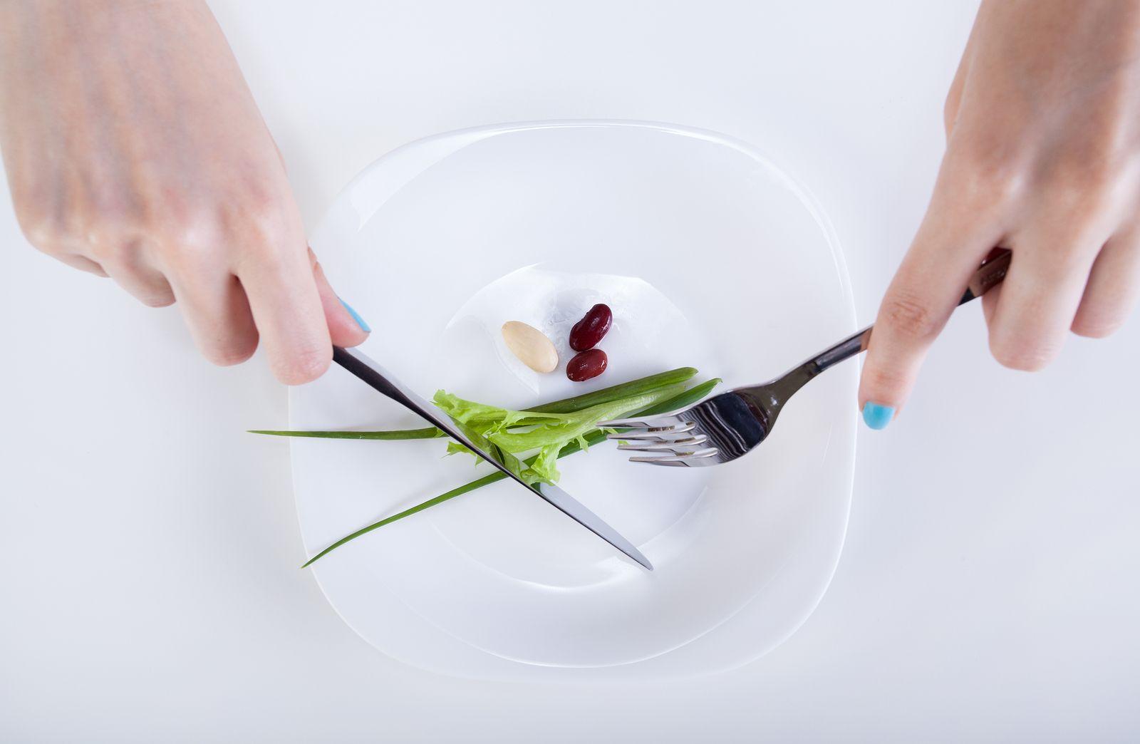 Kan je maag krimpen door minder te eten? http://www.gezond.be/kan-je-maag-krimpen-door-minder-te-eten/