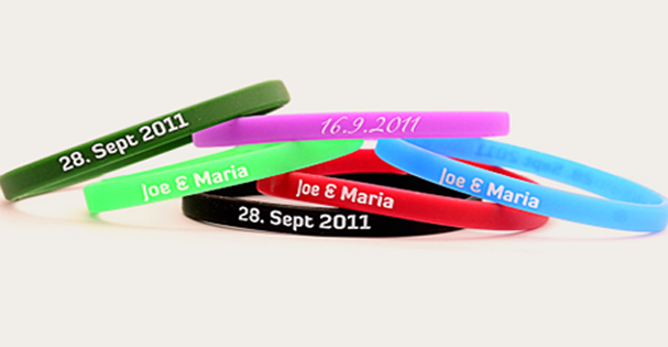 ~*Look at this amazing collection of bracelets you can have custom made by www.amazingwristbands.com! They make: Custom silicone wristbands, personalized fundraiser wristbands, rubber bracelets, silicone keychains, slapbands, silicone rings are ALL available made to order! I want to have some made! They're sooooooooo kewel!*~ <3 <3  ;-)