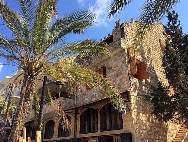 بيوت ومنازل تراثية في مدينة صور جنوب لبنان Tyre South Lebanon House Styles Old Houses Mansions